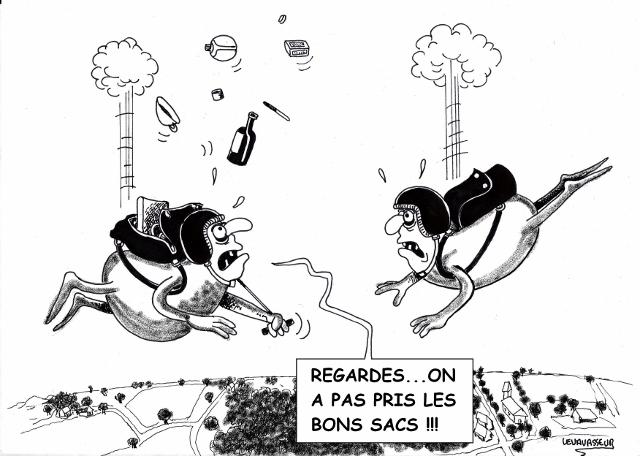 Deux parachutistes tête en l'air dans GALERIE PERSONNELLE parachtiste-640x456