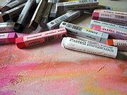 Le pastel en bâtonnets ou crayons dans PEINTURE ET MATIERES pastel